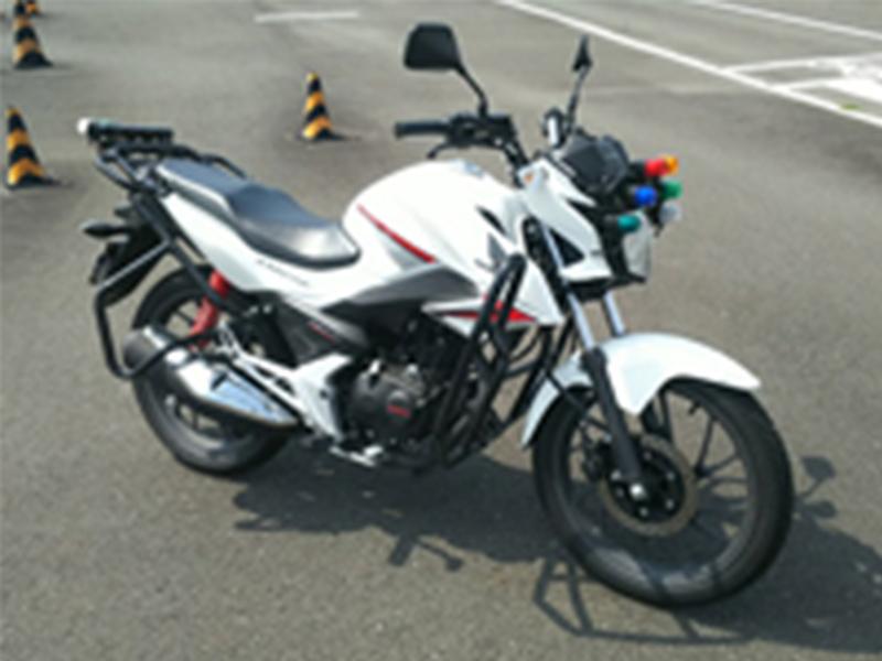 写真:小型二輪(125cc)AT 標準プラン【5月入校】