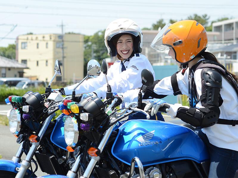 写真:普通二輪(400cc)MT 標準プラン(普通免許所持)【10月入校】